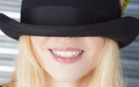 为什么会口臭 口臭的原因有哪些 如何预防口臭