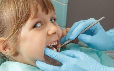 导致口臭的疾病 什么疾病导致口臭 口臭是什么疾病