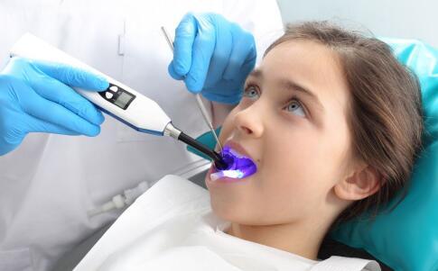 牙齿怎么美白 美白牙齿的方法 哪些水果美白牙齿