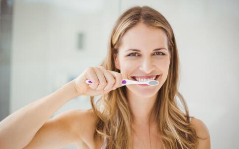 口腔溃疡有什么症状 口腔溃疡如何治疗 口腔溃疡吃什么水果好