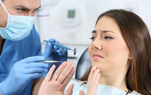 伤牙的行为 毁坏牙齿的习惯 什么习惯毁坏牙齿