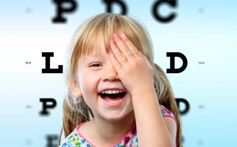 小儿白内障的表现 孩子为什么会患上白内障 小儿白内障如何治疗