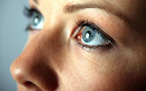 视疲劳怎么办 如何缓解视疲劳 视疲劳的缓解方法