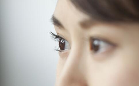 哪些人易患青光眼 导致青光眼的原因 如何预防青光眼