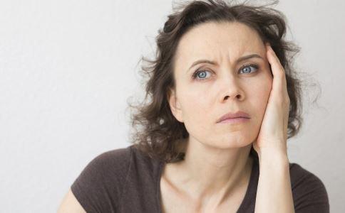 女性到了更年期该怎么办 女性更年期保健要注意什么 女性更年期有哪些临床表现