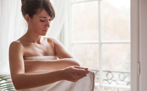 乳头内陷有时候会轻微疼痛怎么回事 乳头内陷如何分度 乳头内陷怎么治疗