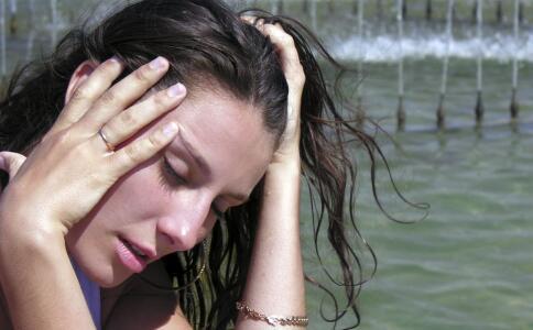 体内湿气重的症状有哪些 体内湿气重要如何祛湿 祛湿的食物有哪些