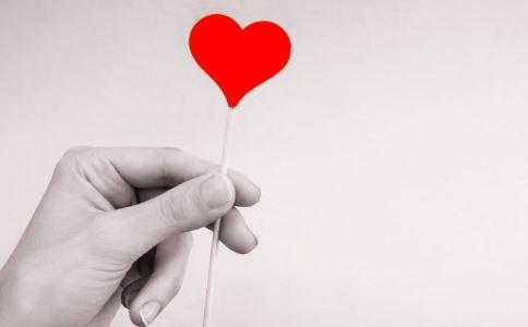 女生11年跳绳2万毫升人多久献一次血锻炼女孩献血图片