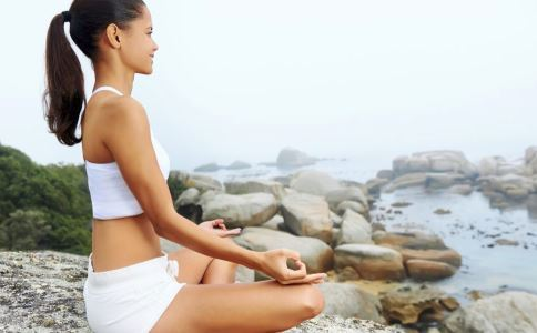 乳房瑜伽保健操 简单四式预防乳腺疾病