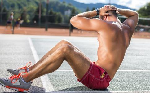 这个动作比仰卧起坐减肥效果更好 健康常识 图1