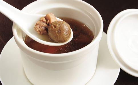 肝肾阴虚吃什么 肝肾阴虚如何养生 肝肾阴虚吃哪些食物好