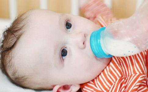 宝宝喝多少奶 宝宝喝奶量是多少 宝宝喝奶量标准