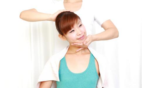 颈椎病的原因 导致颈椎病的因素 得了颈椎病该怎么办