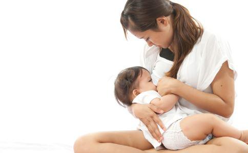 喂奶时被咬破乳房怎么办 喂奶时被咬破乳房如何处理 喂奶时被咬破乳房怎么治疗
