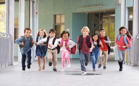 生孩子越多退休越早 多生孩子好吗 多生孩子对身体有什么影响