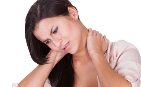 上班族如何预防颈椎病 上班族怎样预防颈椎病 上班族预防颈椎病