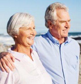 老年人早晨起床要注意哪些 老年人早上可以马上晨练吗 老年人早晨起来如何养生