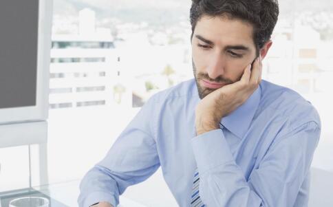 久坐的危害有哪些 如何减少久坐给身体带来的伤害 久坐要注意哪些