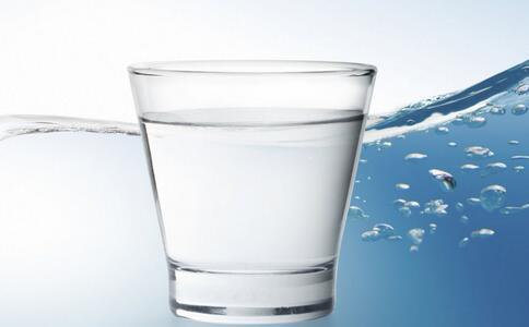 秋季肝火旺应该怎样调理? 多喝水利于肝脏排毒 健康常识 图1