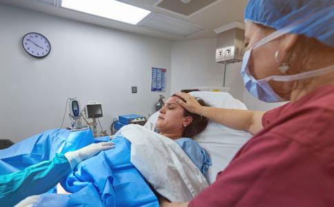 剖腹产划破婴儿头 剖腹产的危害 剖腹产有坏处吗