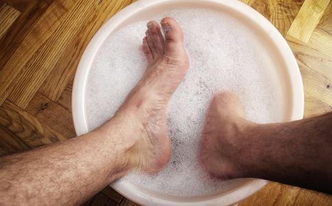 秋季泡脚好处多 秋季该如何泡脚好 健康常识 图3