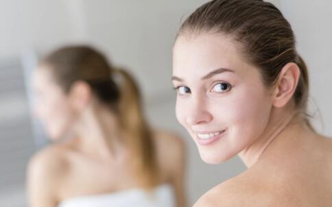 白醋洗脸能变白吗 美白的方法有哪些 用什么洗脸能变白