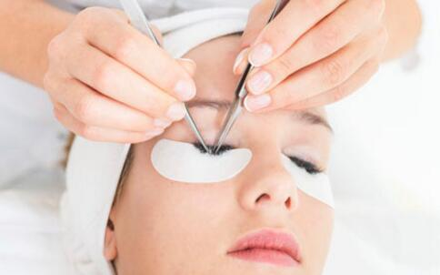 简单DIY美白祛斑面膜 安全又好用