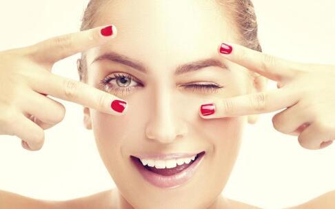 女性皮肤发黄什么原因 做好三步让肌肤变白