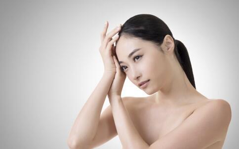 油性肌肤怎么护理 油性肌肤护理技巧 油性肌肤如何控油