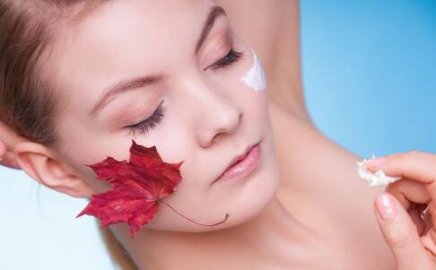 油性肌肤怎么全面护理肌肤