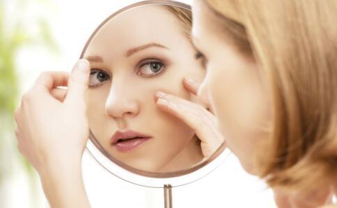 脸上长斑吃什么好调理 如何淡斑 祛斑的方法有哪些