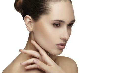 皮肤粗糙要抗衰老 这些护肤方法还你婴儿肌
