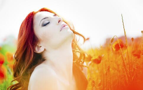 夏季肌肤出油的护肤方法