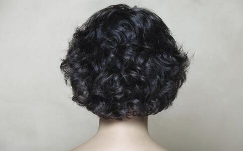 夏季适合什么发型 空气刘海短发效果如何 空气刘海短发是夏季首选发型
