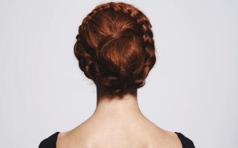 危害头发的坏习惯 头发护理的误区 头发护理的方法