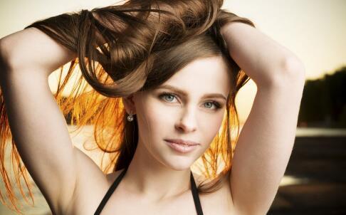 头发油怎么办 头发油的原因 油性头发会掉发吗