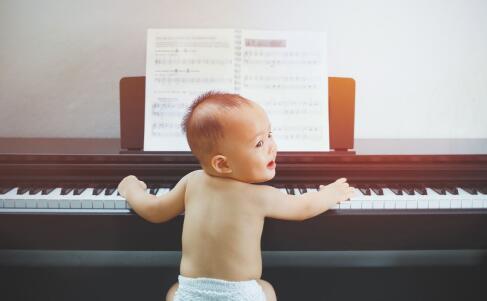 2018宝宝起名大全 宝宝起名注意事项 2018好听的男孩名字大全
