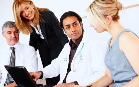 检查心脏病需要做哪些检查 心脏病有哪些临床表现 哪些人易患心脏病