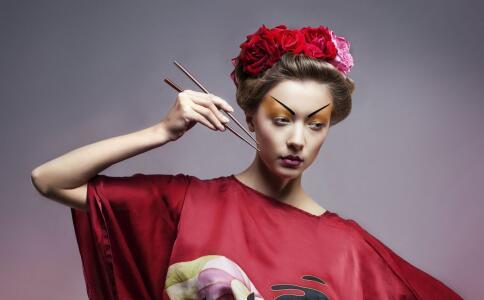 油性皮肤花妆怎么办 出油花妆怎么办