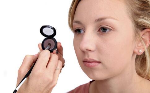 美妆工具:如何挑选卸妆油