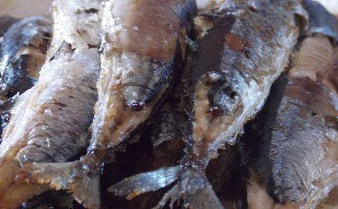 秋刀鱼的做法大全 产后吃什么好 产后丰胸食谱