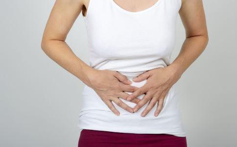 冷饮喝太多胃痛怎么办 一个穴位搞定 健康常识 图1