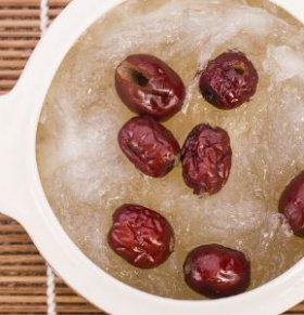 红枣的功效与吃法 红枣养生吃法 红枣的吃法