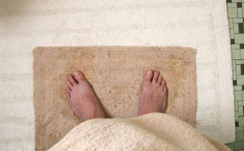 足浴适合哪些人 什么人不适合足浴 足浴注意事项