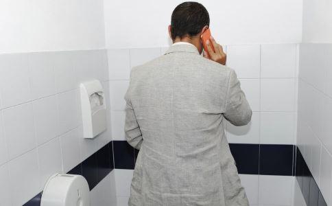 男人尿液发黄?可能是这4个原因