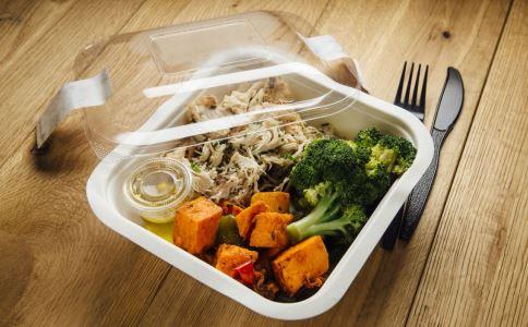 广铁回应盒饭发霉 食物发霉的原因 吃了发霉食物的危害