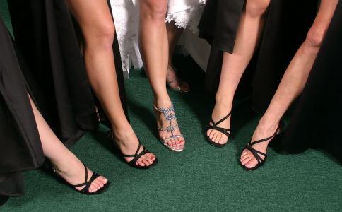 少女因蚂蚁腰走红 太瘦对身体有什么影响 太瘦有什么危害