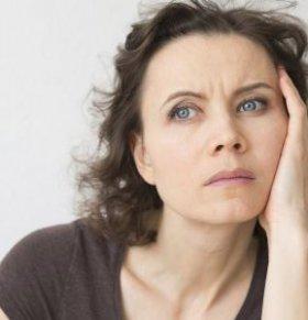 女性更年期易怒如何是好 更年期易怒怎么缓解 女性更年期有哪些临床表现