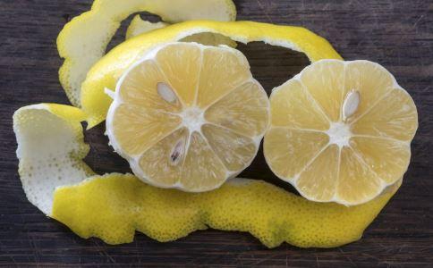 柚子皮的用处和用法 干柚子皮有什么用处 柚子皮的功效与作用