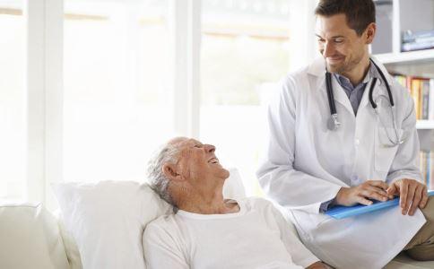 老年人突发疾病有哪些 老年人常见突发疾病 老年人突发疾病的处理